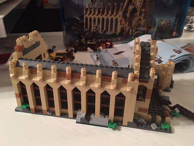 harrypotter-lego-greathall-03