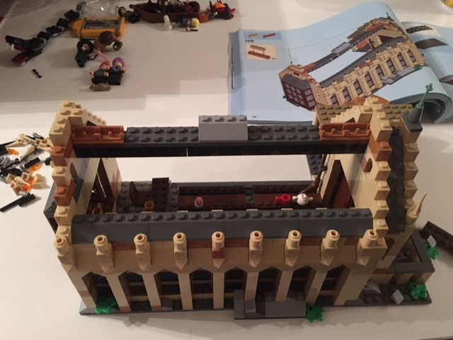 harrypotter-lego-greathall-04