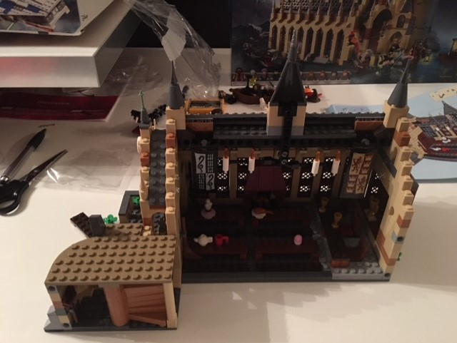 harrypotter-lego-greathall-06