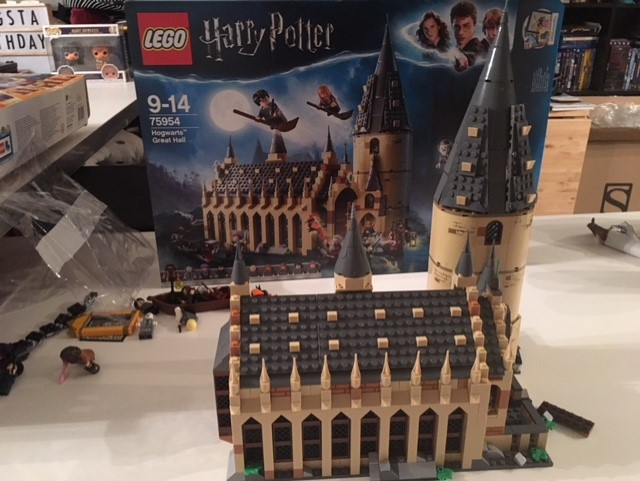 harrypotter-lego-greathall-08