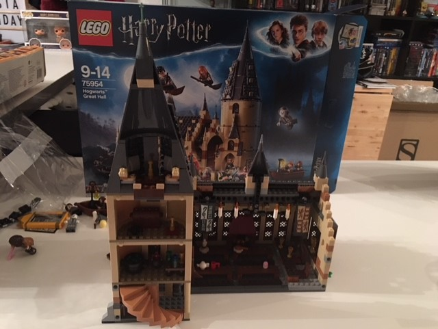 harrypotter-lego-greathall-09