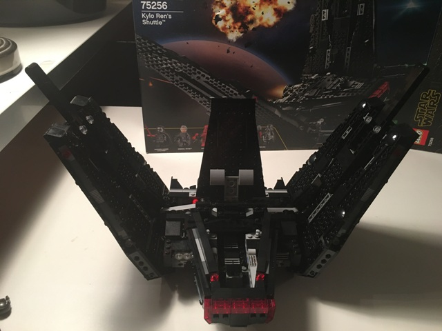 kyloren_shuttle_lego45